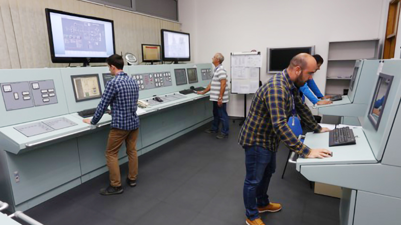 NEW 機関制御室シミュレーター